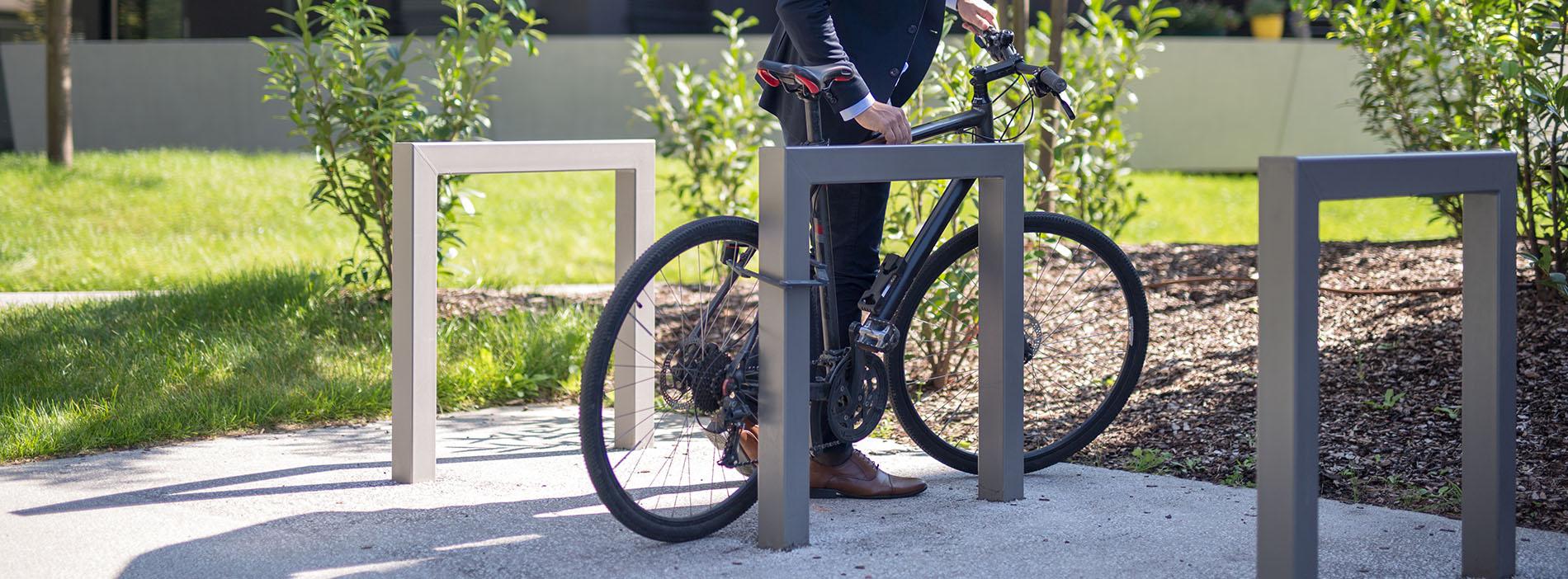cinesi aparcament bicicletes